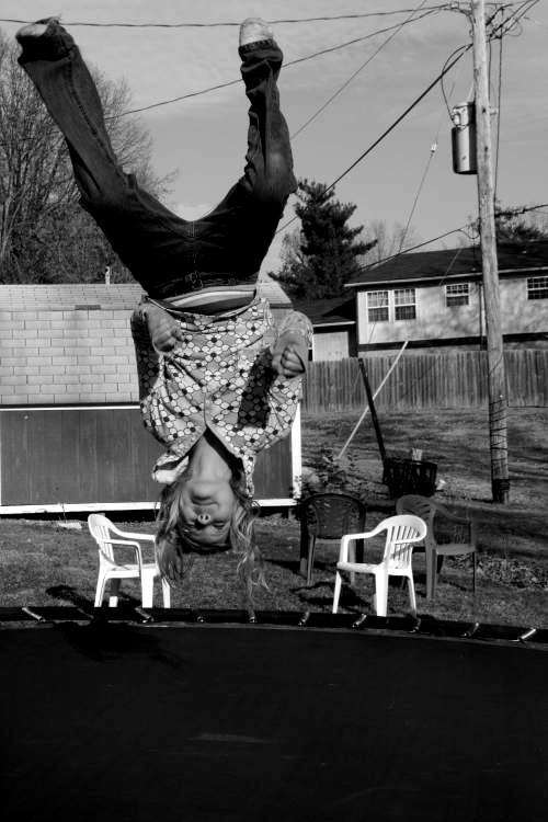 trampoline-bw