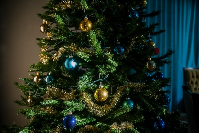 christmas tree blue gold ornaments-2 small