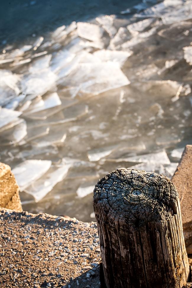 mississippi river ice freezing alton illinois-17 small